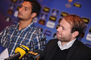 Andreas Alm med Vice kapten Celso Borges